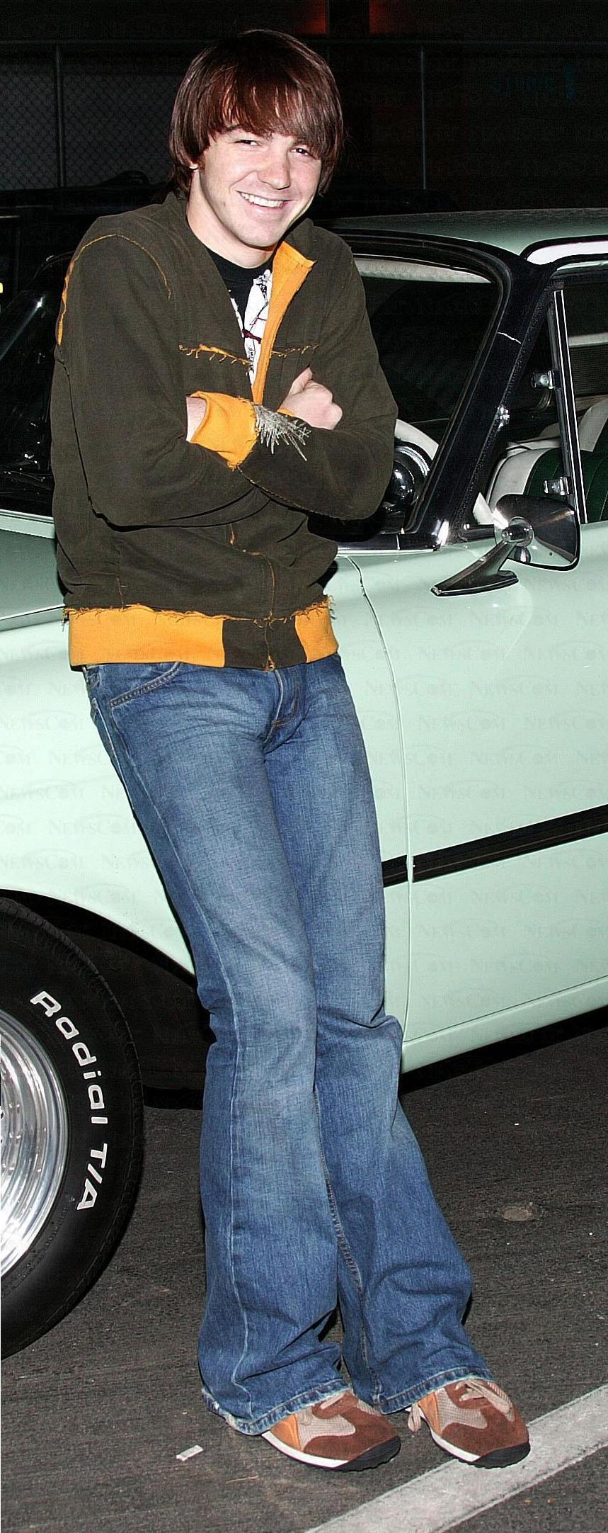 Hot guy has big bulge