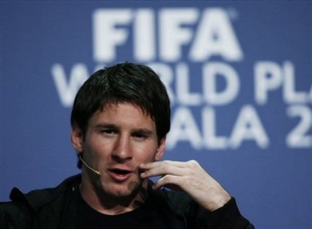 lionel messi girlfriend name. lionel messi girlfriend name. LIONEL MESSI GIRLFRIEND KISS
