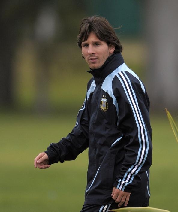 FBL-WC2010-QUALIFIERS-ARGENTINA-TRAINING