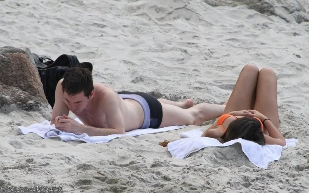 lionel messi tattoo. Lionel Messi Shirtless with