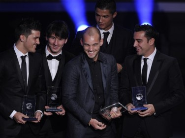 (L-R) Spain's David Villa, Argentina's L