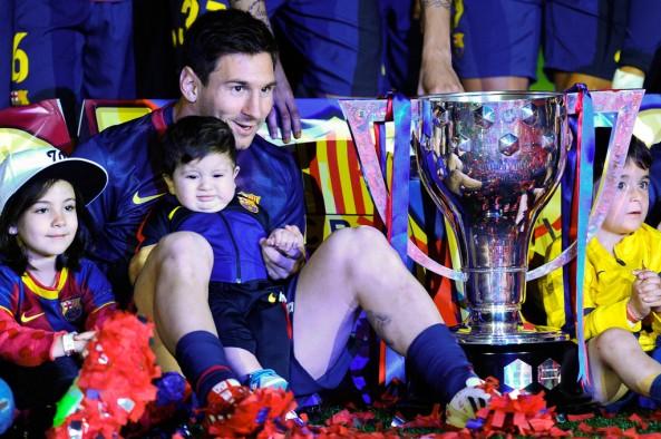 Lionel+Messi+FC+Barcelona+v+Real+Valladolid+sZZ8N9APj6Ox